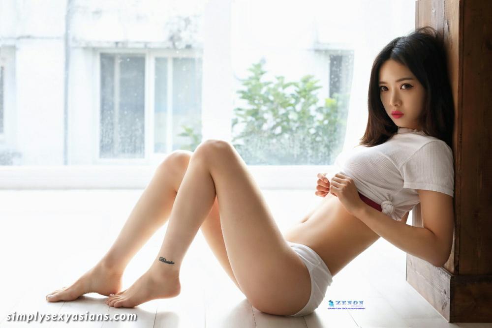 Stunning Korean Babe