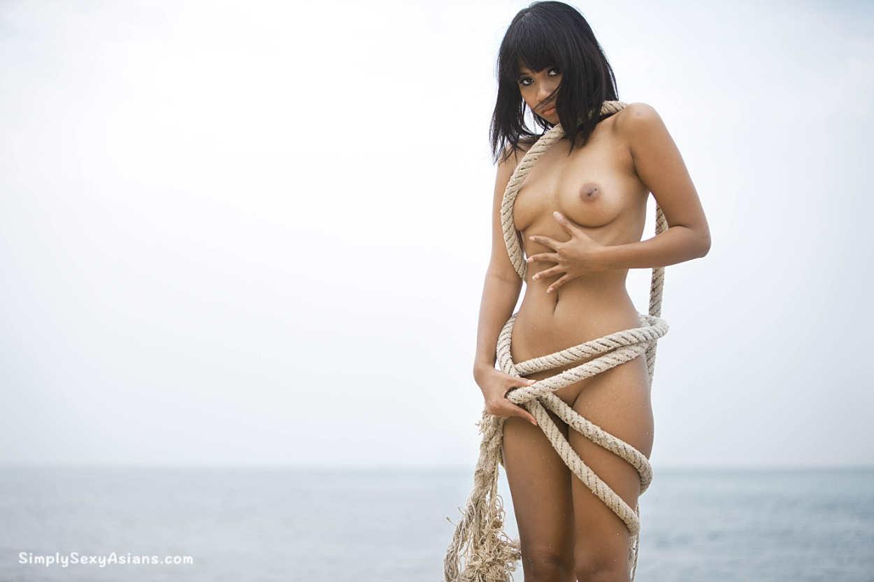 Xanny Disjad Posing Semi Nude | Photo 137