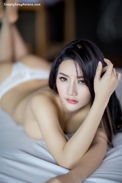 Atittaya Chaiyasing Hot Photo 030