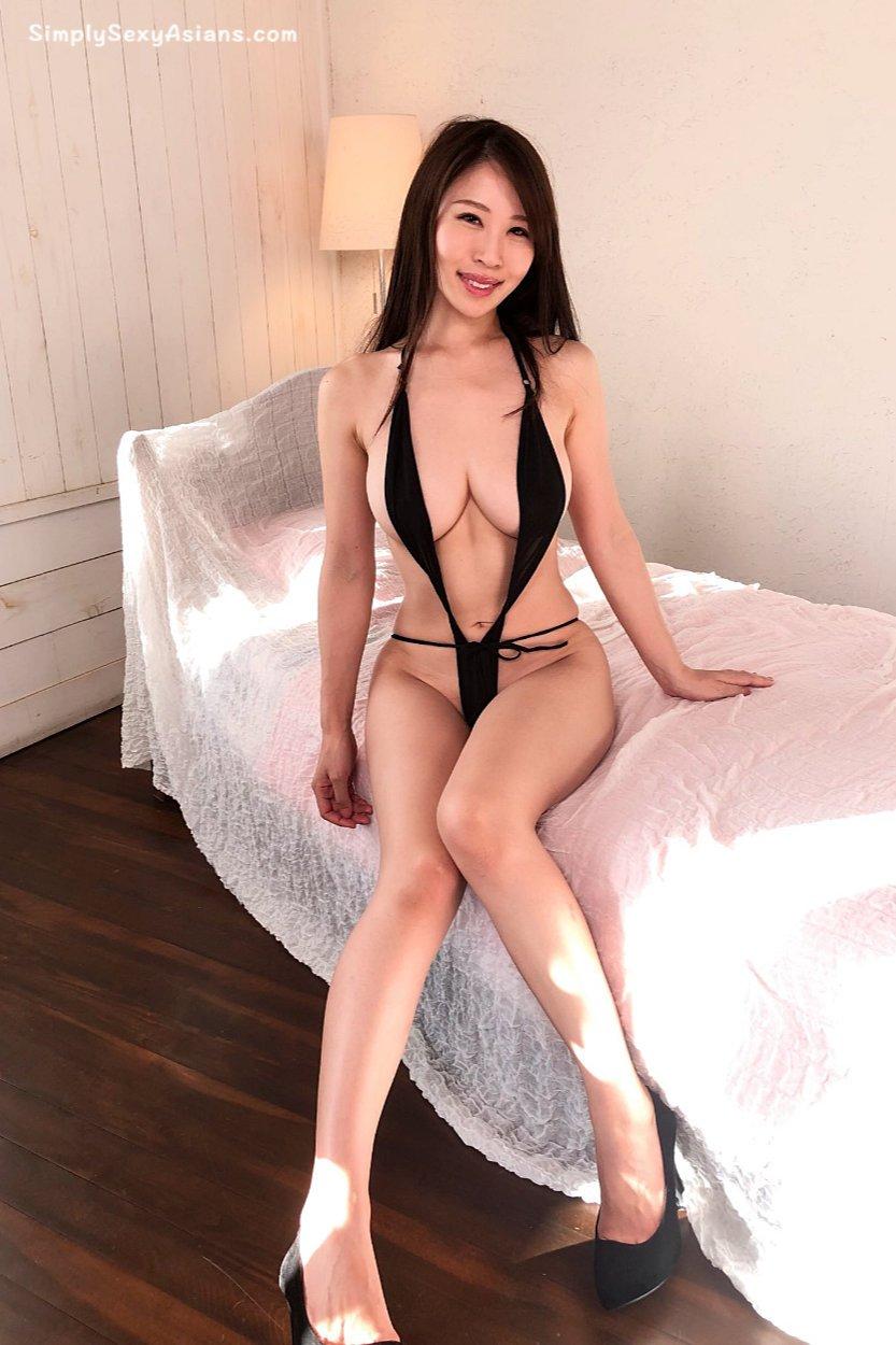 Toka Rinne 凛音とうか Sexy AV Photo 019