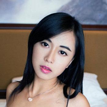 Huang Ke / 黄可 Christine Wiki